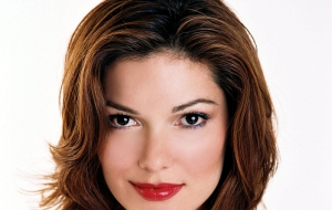 Laura Harring Photos