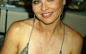 Ornella Muti Background