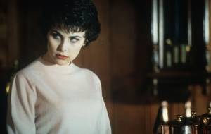 Sherilyn Fenn Pictures