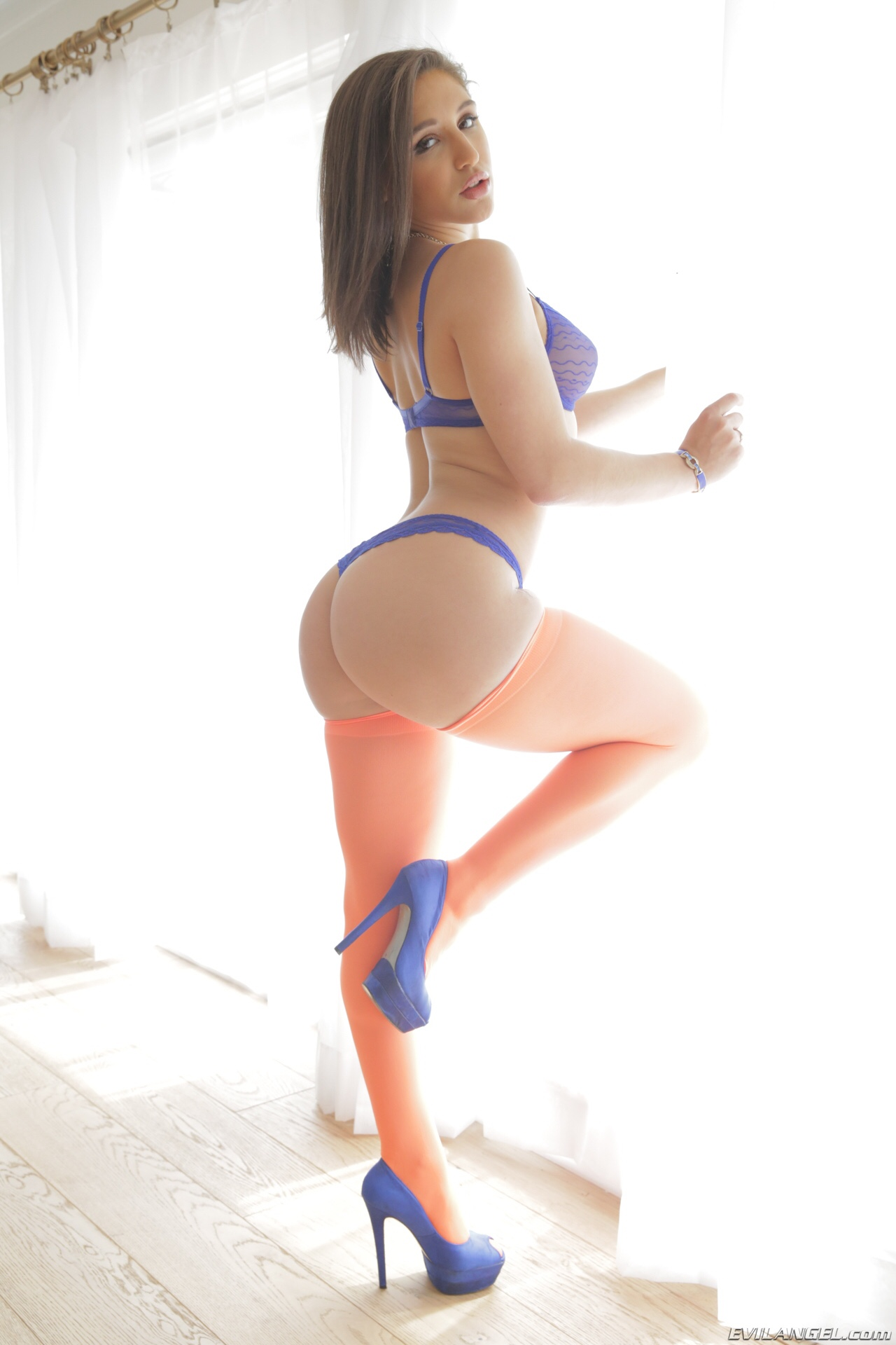abella danger height