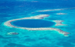 Great Blue Hole Full HD