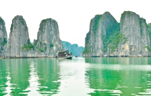 Ha Long Bay HD Background