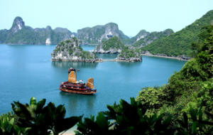 Ha Long Bay HD Wallpaper