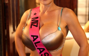 Lisa Ann Pictures