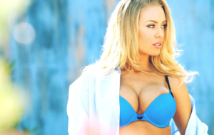 Nicole Aniston HD Desktop