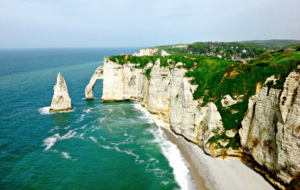 Sea Cliffs, Etretat Wallpaper