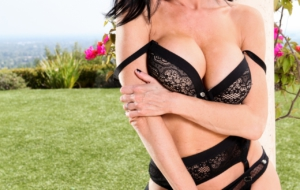 Veronica Avluv High Definition