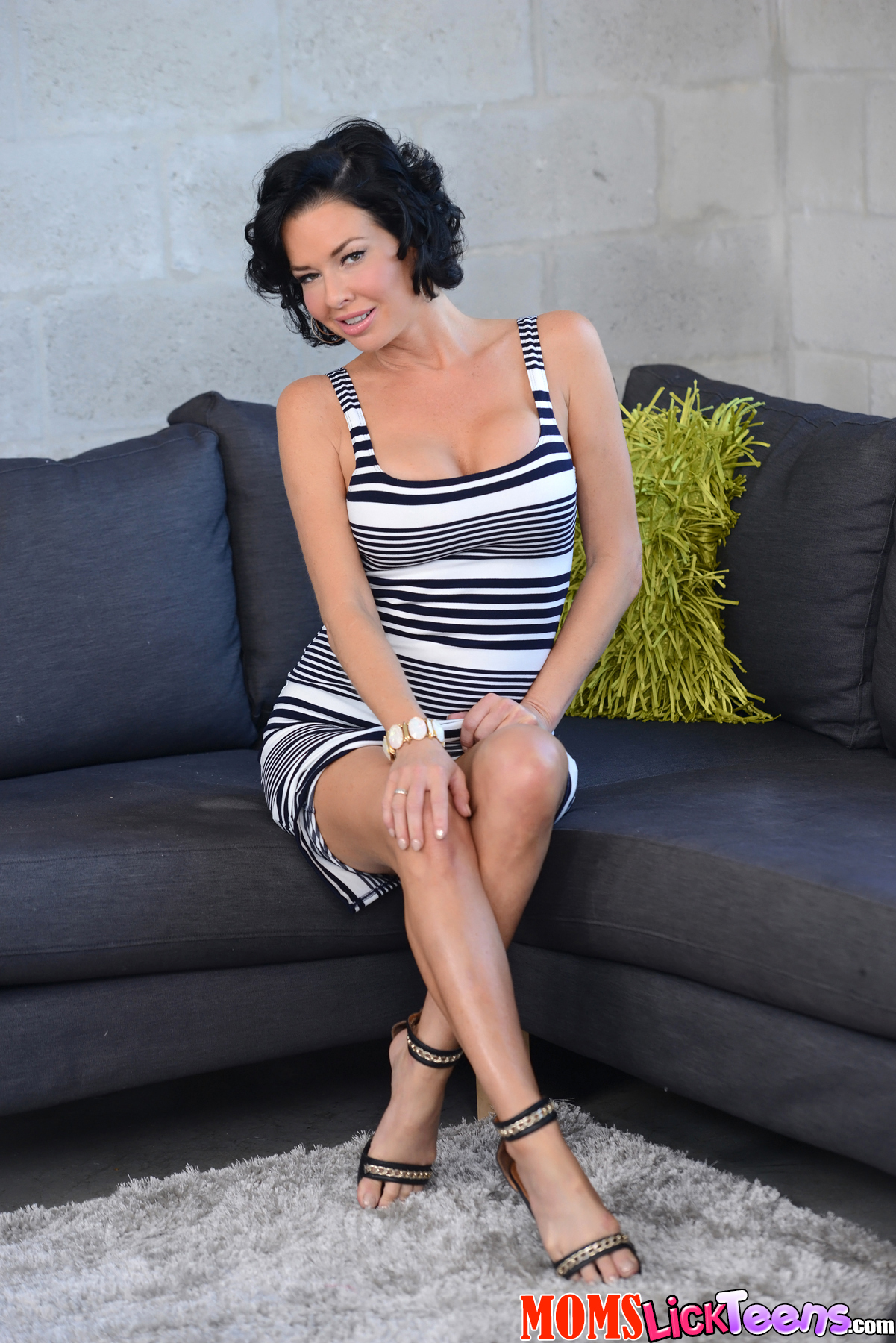 veronica avaluv