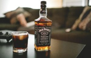 Whiskey Full HD