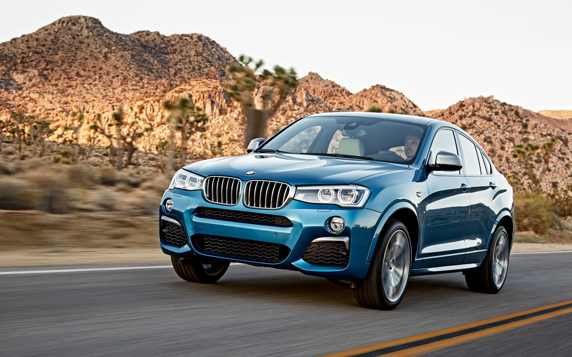 BMW X4 2017 HD Wallpapers
