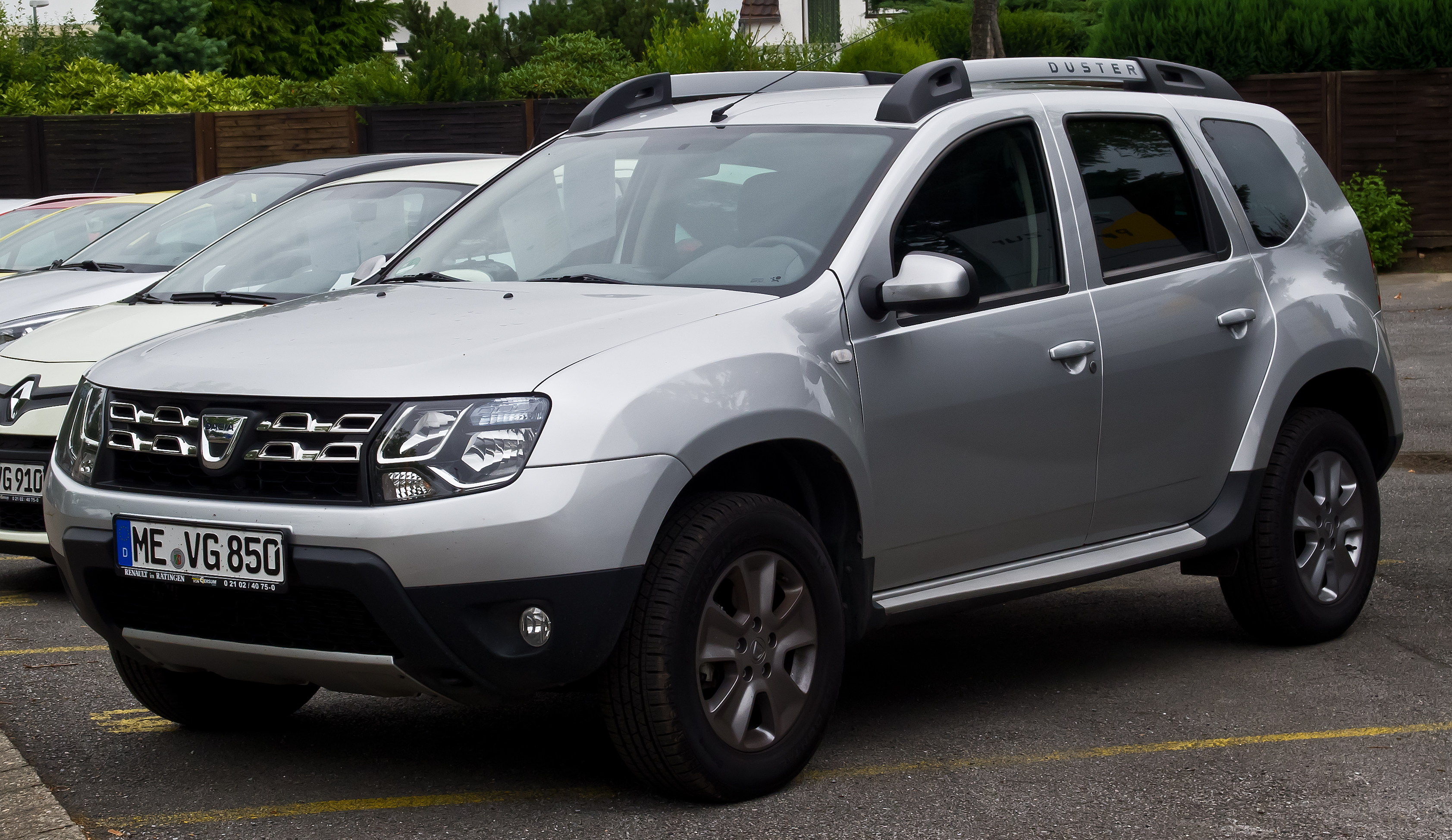 Dacia Duster 2017 HD Wallpapers