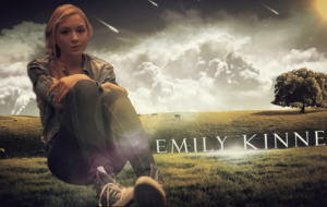 Emily Kinney For Deskto