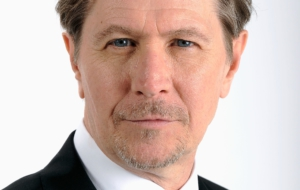 Gary Oldman For Deskto