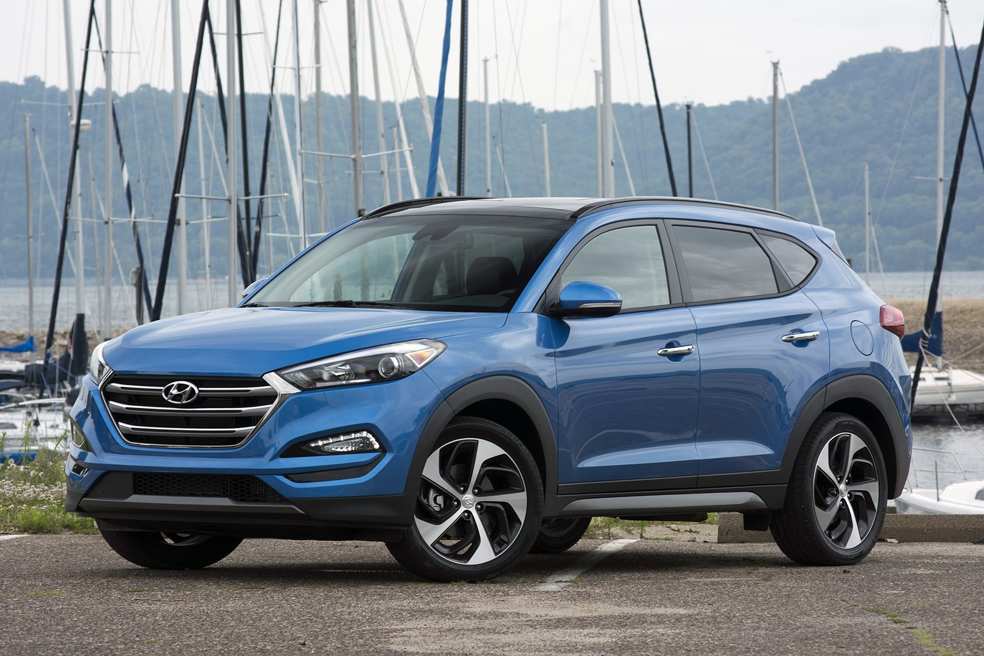 Hyundai Tucson 2017 HD Wallpapers