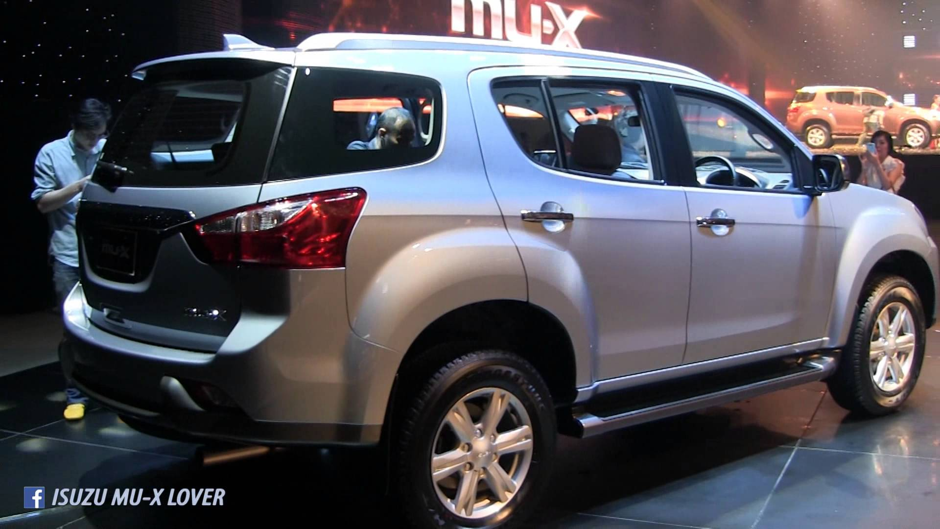 Isuzu MUX 2017 HD Wallpapers