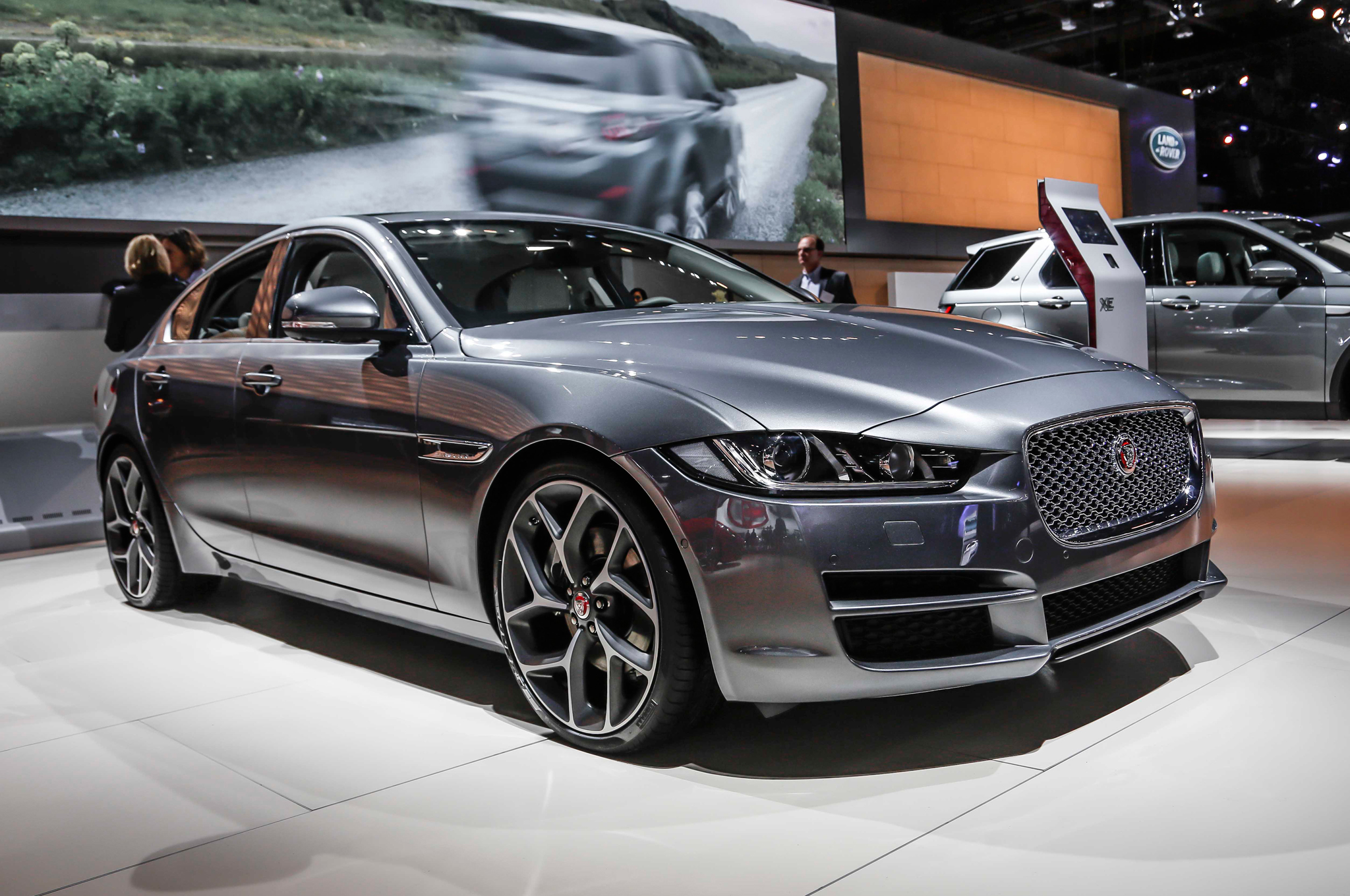 jaguar xe 2017 hd wallpapers. Black Bedroom Furniture Sets. Home Design Ideas