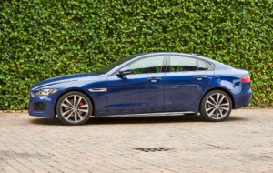 Jaguar XE 2017 Photos