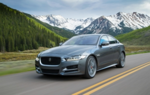 Jaguar XE 2017 Wallpaper