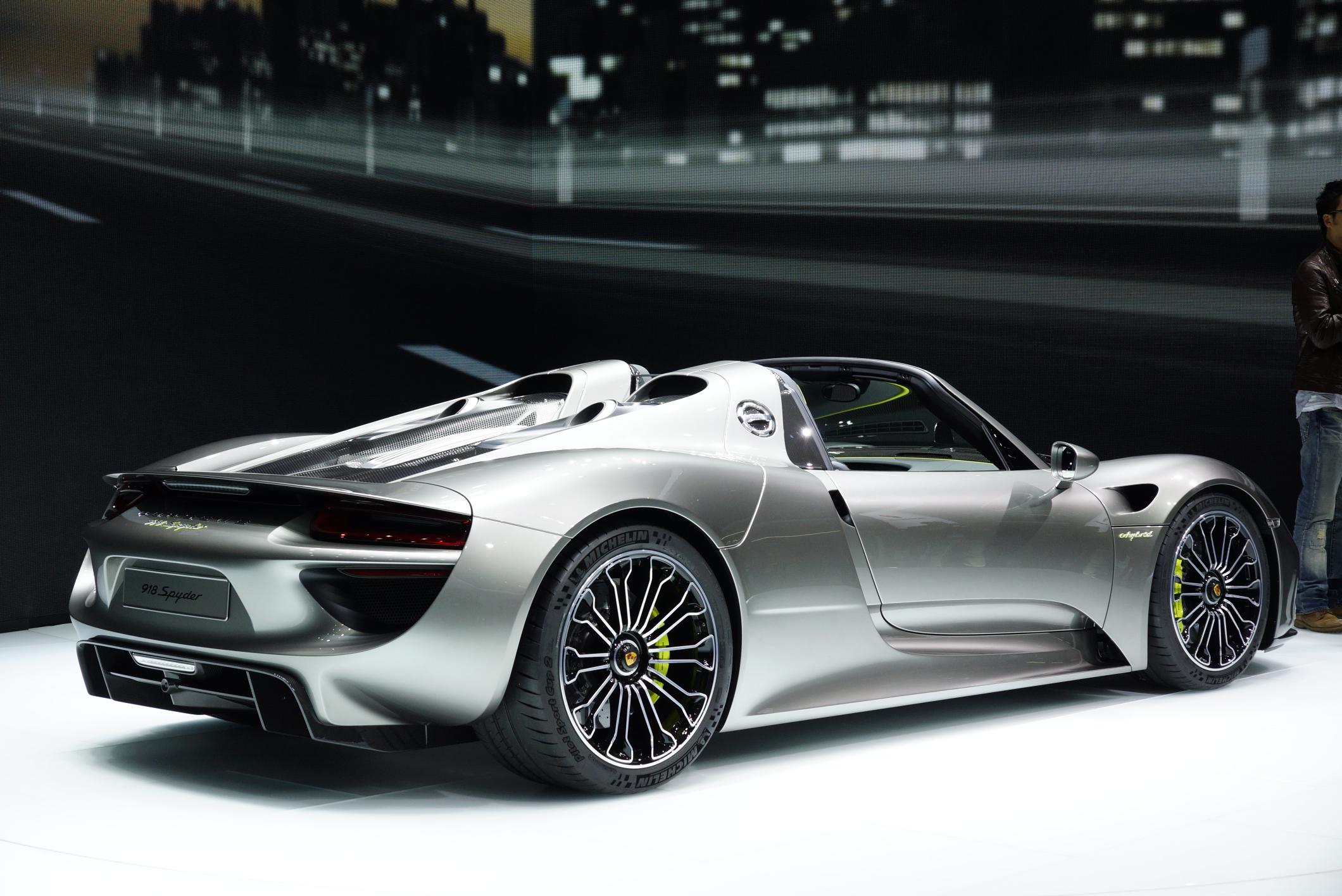 porsche 918 spyder 2017 hd wallpapers. Black Bedroom Furniture Sets. Home Design Ideas