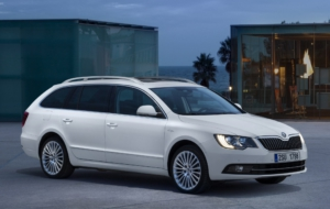 Skoda Superb 2017 HD Background