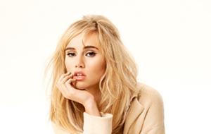 Suki Waterhouse Background