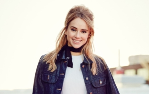 Suki Waterhouse High Definition Wallpapers