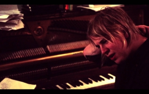 Tom Odell Background