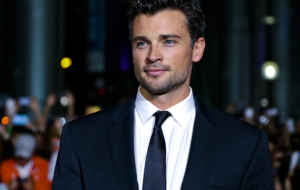 Tom Welling Deskto