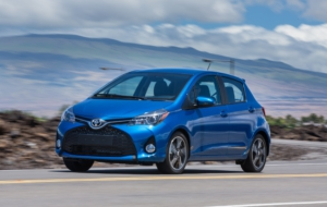 Toyota Yaris Hatchback 2017 HD Wallpaper