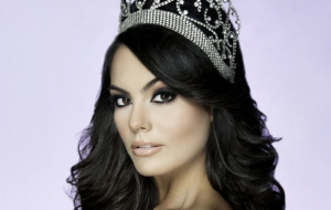 Ximena Navarrete For Deskto