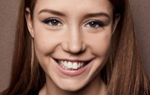 Adele Exarchopoulos HD Wallpaper