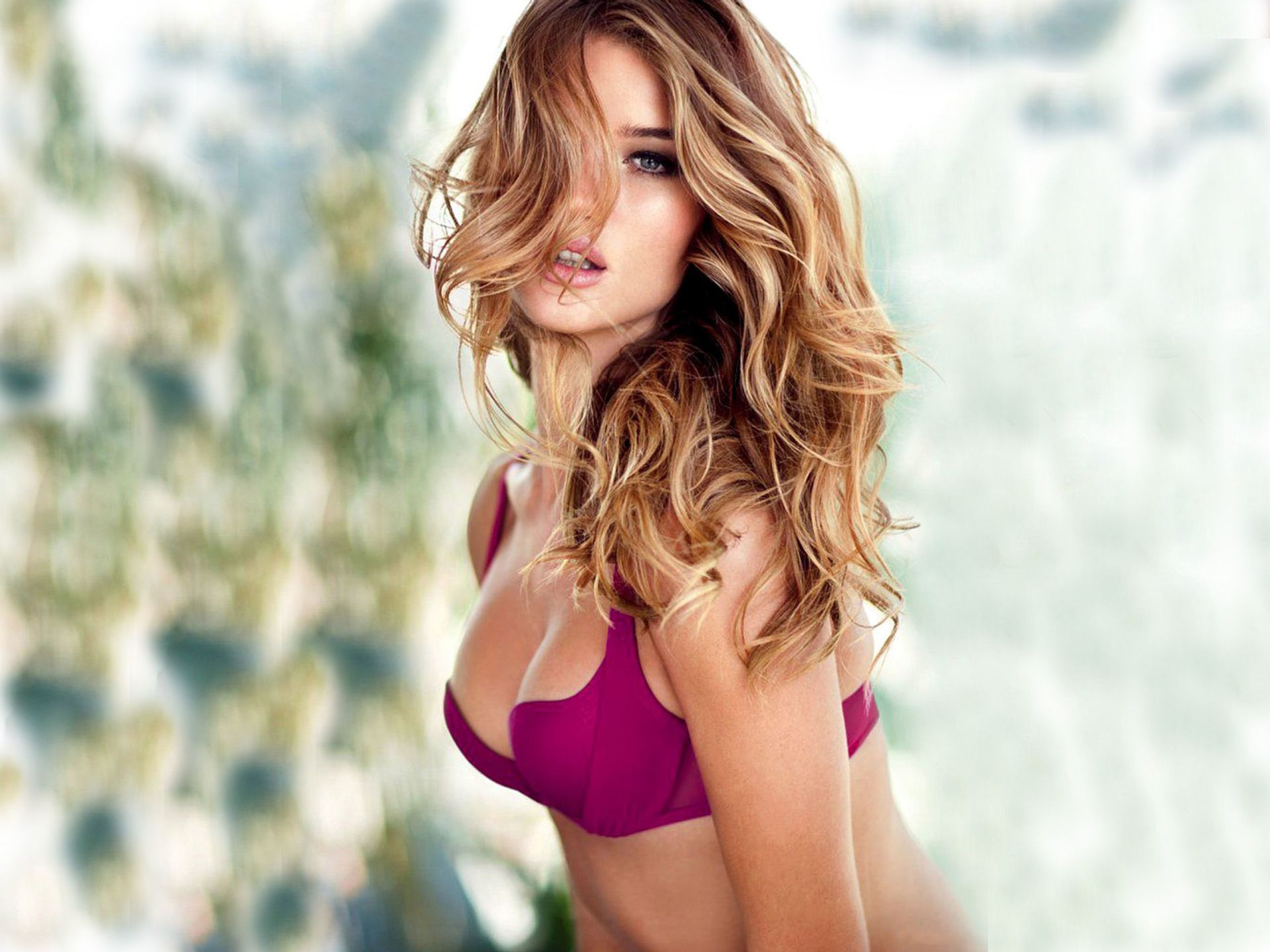 Rosie Huntington-Whiteley Wallpapers Backgrounds