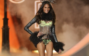 Cindy Bruna Sexy Wallpapers