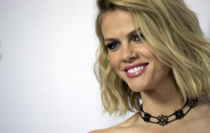 Daniel Brooklyn Decker Desktop Images