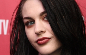Frances Bean Cobain High Definition