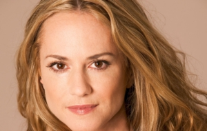 Holly Hunter HD Desktop