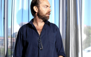 Hugo Weaving HD Desktop