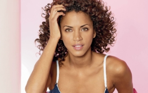 Noémie Lenoir Computer Backgrounds