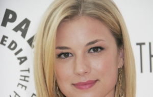 Pictures Of Emily Vancamp