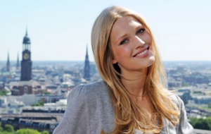 Toni Garrn Wallpapers