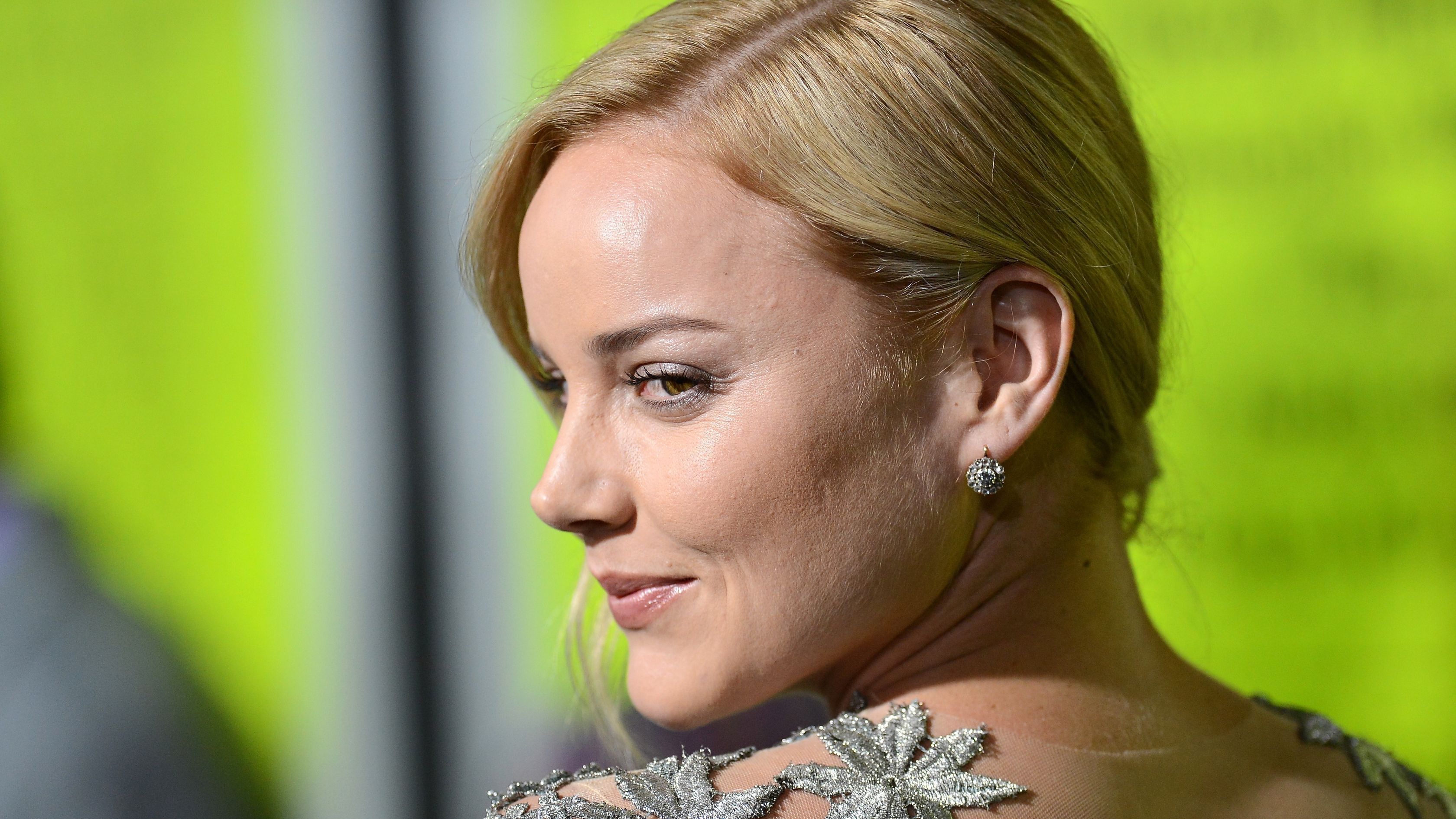 cornish girls Abbie cornish stars in the girl, as a young mother, ashley, who loses custody of  her young son because of a lack of money when she decides.