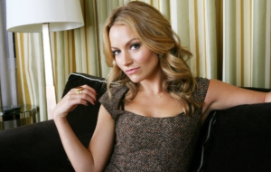 Becki Newton Desktop Wallpaper