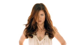 Debra Messing Images