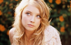 Elisabeth Harnois Wallpapers