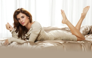 Elisabetta Canalis Background