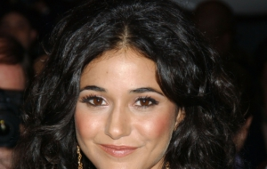 Emmanuelle Chriqui HD Desktop