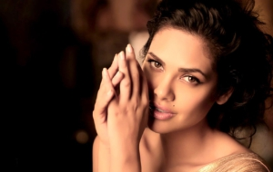 Esha Gupta HD Wallpaper