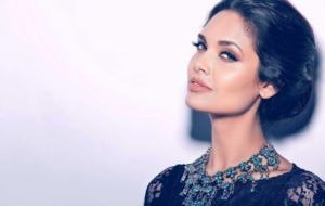 Esha Gupta High Definition Wallpapers