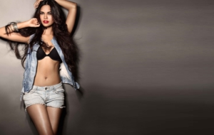 Esha Gupta Wallpapers HD