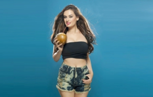 Evelyn Sharma Photos